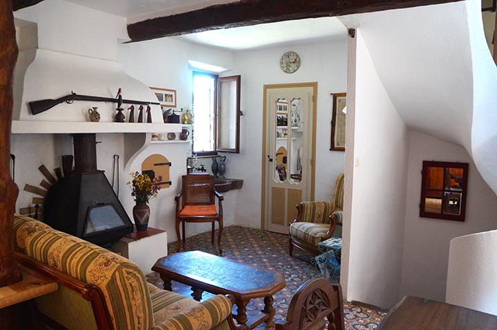 Wenteltrap In Woonkamer : La belle ancienne woonkamer eetkamer keuken
